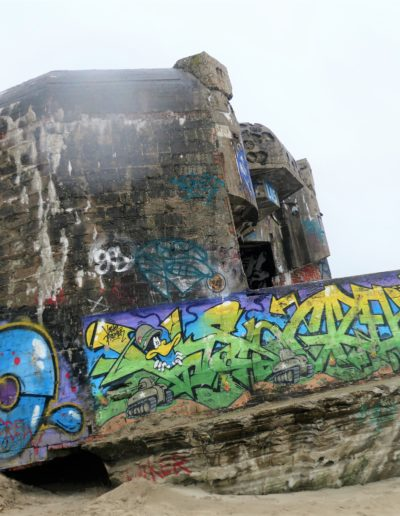 Les blockaus du mur de l'Atlantique, terrain de jeu des graffeurs...